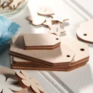 Gift Tags & Plaques
